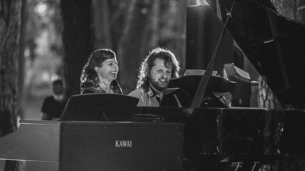 """""""Miško elegija"""" – Fortepijoninis duetas: Guoda Gedvilaitė ir Motiejus Bazaras"""