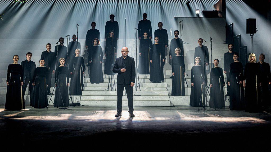 """Choras """"Jauna Muzika"""": People come and people go (liet.: Žmonės ateina ir žmonės išeina)"""